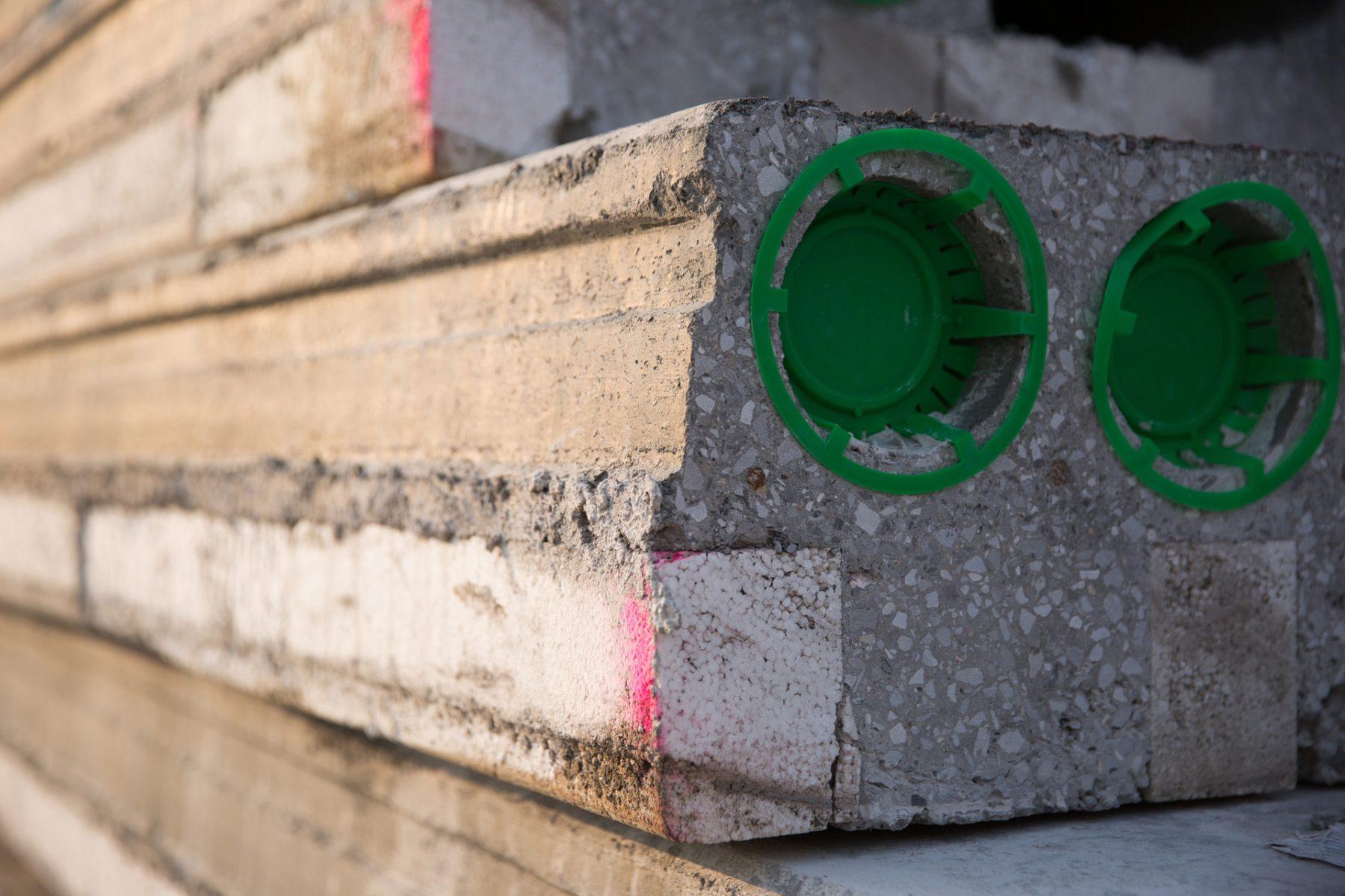 geïsoleerde-kanaalplaatvloer-building-supply-prefab-beton