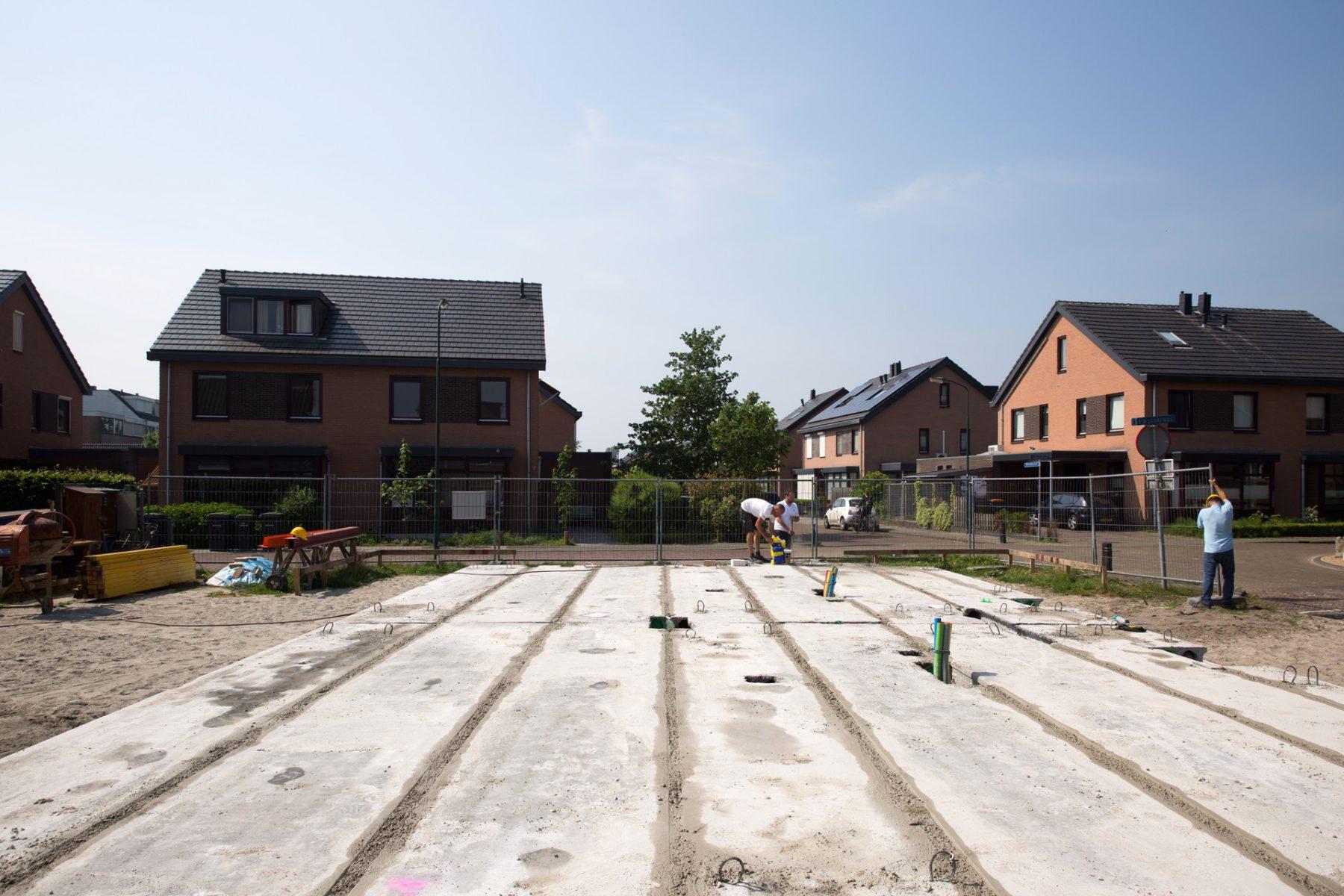 Geïsoleerde-kanaalplaten-building-supply-prefab-beton-naden-afstorten